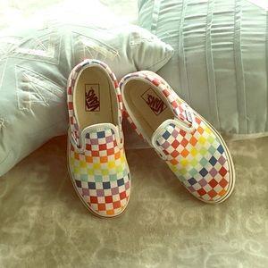 EUC Vans rainbow checkered slip on sneakers